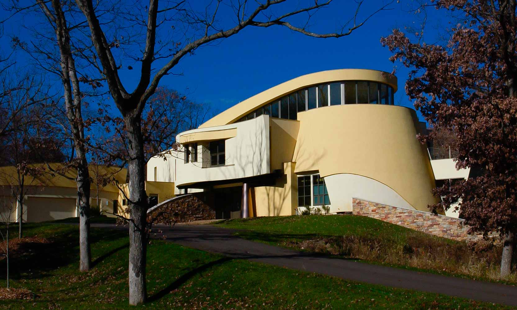 Arteriors Architects Minneapolis Minnesota Modern Sculptural Curved House